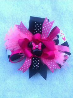 Minnie Mouse Hairbow by PinkToesAndHairBows on Etsy, $6.50