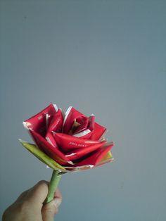 Roos van theezakjes. Leuk als cadeautje voor een theeleut. (Norinde)