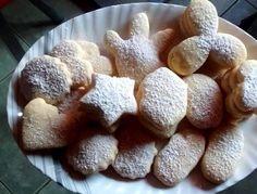 La leche condensada de por sí es deliciosa e integrada a estas galletas como ingrediente le da un sabor fino y especial, digno de presentar en una mesa de postres.