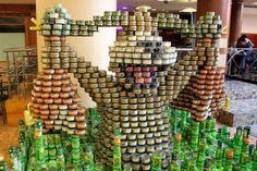 300,000 blikjes vormen kunstwerk met een boodschap
