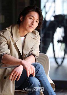 Stuck on Hyuk Korean Drama Series, Watch Korean Drama, Kdrama, Jang Nara, Fated To Love You, Handsome Korean Actors, Jang Hyuk, Asian Hotties, Korean Entertainment