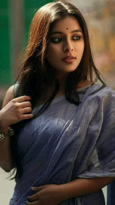 Exclusive stunning photos of beautiful Indian models and actresses in saree. Beautiful Girl Indian, Most Beautiful Indian Actress, Beautiful Actresses, Beautiful Beautiful, Beautiful Saree, Beauty Full Girl, Beauty Women, Black Beauty, Asian Beauty