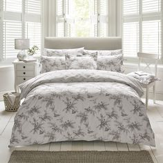 Holly Willoughby, Fauna (Charcoal) bedding