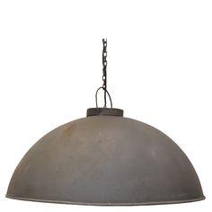 Stoere hanglamp zink. Fraaie eenvoud, deze stoere hanglamp in een lekker groot formaat. Bestel 'm bij Stoerelampen.nl. Ook te zien in onze showroom.