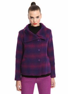 United Colors of Benetton Yakası dökümlü ceket Markafoni'de 299,95 TL yerine 149,99 TL! Satın almak için: http://www.markafoni.com/product/3258162/