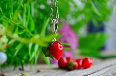 Strawberry Farm, Jewelry Gifts, Jewellery, How To Make Shorts, Murano Glass, Glass Pendants, One Pic, Necklace Lengths, Gifts For Her