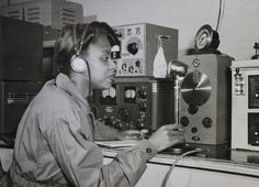 Young woman tests the repairs made to a radio at a National Youth Administration workshop, circa Radio Drawing, World Radio, 1940s Woman, History Images, National Archives, South Pacific, World War Ii, Wwii, Revolution