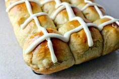 Easy Hot Cross Buns:  An Easter tradition #Easter #bread