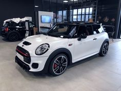 Mini Cooper Models, Red Mini Cooper, Mini Cooper Sport, Mini Cooper Works, Mini Cabrio, My Dream Car, Dream Cars, Mini Coper, Mini Cooper Custom