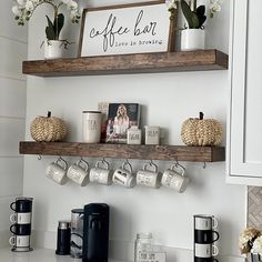 Coffee Bars In Kitchen, Coffee Bar Home, Coffee Bar Ideas, Coffe Bar, Coffee Area, Coffee Corner, Farmhouse Kitchen Decor, Farmhouse Design, Country Farmhouse