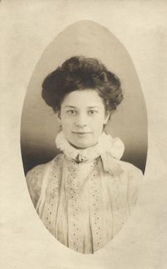 Portrait of Pretty Woman, 1900's