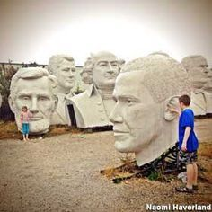 Giant President's Heads, Houston, TX {Only in America. From the amazing to the utter rubbish via Roadside America} I need to go see this! Texas Vacations, Texas Roadtrip, Texas Travel, Travel Usa, Family Vacations, Family Travel, Travel Tips, Oh The Places You'll Go, Places To Travel