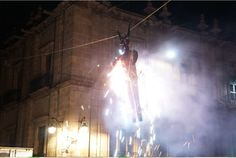 Este evento se realizó ante cientos de morelianos y turistas frente a la Catedral, en punto de las 20:00, y tuvo como objetivo preservar y rescatar las tradiciones que enmarcan ...