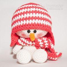 Вязаный снеговик амигуруми крючком