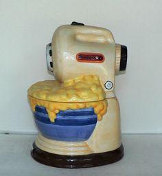 cookie jar by treasure craft this collectible cookie jar