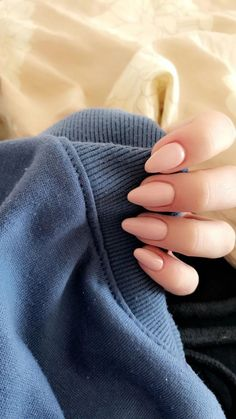 Semi-permanent varnish, false nails, patches: which manicure to choose? - My Nails Cute Acrylic Nails, Cute Nails, Pretty Nails, Sns Nails Colors, Pink Nails, Almond Nails Pink, Perfect Nails, Gorgeous Nails, Hair And Nails