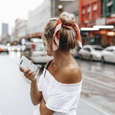 lovely topknot – how to wear tie a bandana in your hair – pictures, outfit ideas inspiration, women's hair styles up do Messy Bun Hairstyles, My Hairstyle, Scarf Hairstyles, Summer Hairstyles, Pretty Hairstyles, Bandana Hairstyles For Long Hair, Messy Chignon, Easy Beach Hairstyles, Edgy Updo