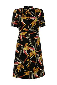 Fendi women's knee length dress short sleeve original #Fendi  #Fashion #WomensFashion #LadiesFashion #HauteCouture #Style #DesignerDresses #FashionWear #Silk #Lace https://www.amazon.com/dp/B01GG2IKHA/ref=cm_sw_r_pi_dp_sBOxxbZAG69RK