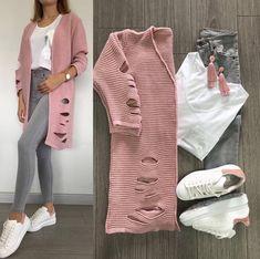 Calças cinzentas + tshirt branca + casaco rosa + all star brancos ou nike Fashion Mode, Hijab Fashion, Fashion Dresses, Womens Fashion, Mode Outfits, Stylish Outfits, Mode Hijab, Outfit Combinations, Spring Outfits