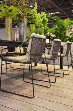 Pour la saison 2015, OASIQ enrichit ses collections de nouvelles collaborations et de nouveaux modèles conçus dans un même esprit de simplicité des lignes aux détails raffinés, en profonde harmonie avec les valeurs de la marque : « Inspired by nature, crafted for people » OASIQ // Maison & Objet Paris #MO14 © Architonic 2014