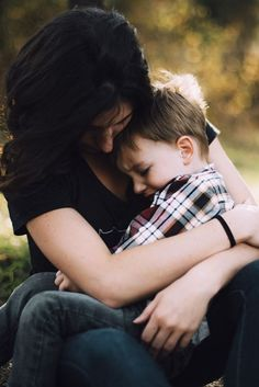 Mommy guilt seems to be a rite of passage into motherhood. Deal with mom guilt using this empowering letter written from the perspective of a child. Gentle Parenting, Parenting Advice, Parenting Toddlers, Funny Parenting, Parenting Styles, Mom Advice, Parenting Quotes, Letters To My Son, Toddler Biting