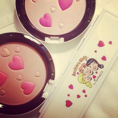 M.A.C archie girl makeup. that blush is so cute!!!