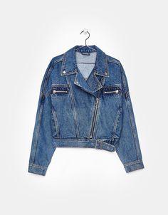 Fashion Tips Ideas Denim biker jacket.Fashion Tips Ideas Denim biker jacket Hipster Fashion, Denim Fashion, Korean Fashion, Fashion Tips, Denim Biker Jacket, Estilo Jeans, Denim Trends, Vogue Fashion, Jacket Style