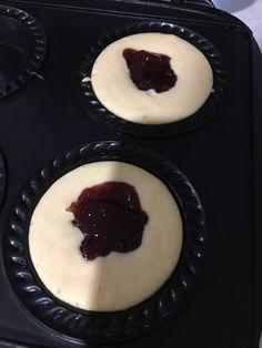 Pie Maker Doughnuts 🍩 – Foodie Mumma Ren Mini Pie Recipes, Donut Recipes, Sweet Recipes, Dessert Recipes, Cooking Recipes, Copycat Recipes, Easy Recipes, Beignets, Breville Pie Maker