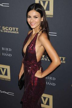 Victoria Justice: Sexy anyway you look at her! Victoria Justice Age, Beautiful Celebrities, Gorgeous Women, Vicky Justice, Taylor Alesia, Jenifer Aniston, Sexy Dresses, Sexy Outfits, Sexy Women