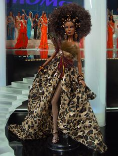 Ninimomo has launched three new gorgeous dolls from their international pageant collection. Also the photos from the National Barbie Convention 2014 are up on their website. African American Fashion, African American Dolls, African Dolls, Barbie Miss, Barbie And Ken, Fashion Royalty Dolls, Fashion Dolls, Barbie Convention, Manequin