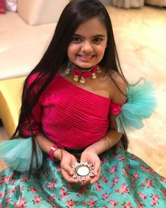 Ideas cake pops designs recipe for 2019 Kids Party Wear Dresses, Kids Dress Wear, Kids Gown, Dresses Kids Girl, Kids Outfits, Crop Tops For Kids, Skirts For Kids, Diwali Outfits, Kids Indian Wear
