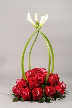 Beautiful flowers made by Flowers By Nino Houston's A-list florist   #houstonflorist #flowersbynino #beautifulflowers #roses #pinkroses #valentinesday #valentineflowers #redflowers