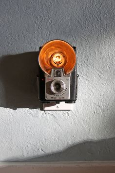 Vintage Camera Nightlight - Kodak Brownie Starflash >> This is so much fun!