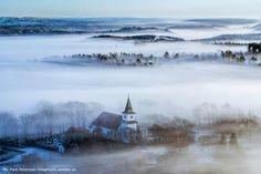 Herbststimmung pur! Munkedal im Nebel. Hier kann man übrigens auch gut Kanu fahren und Lachs angeln.   #schweden #schwedisch #westschweden #westsweden #munkedal #swedishmoments #outdoor #natur #herbst #tourismus #reisen #urlaub #travel #nebel
