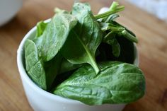 Nutrition Facts Of Spinach. Spinach fights dementia, lowers blood pressure and improves muscle strength.