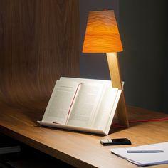 Asterisco de Lzf, original lámpara de lectura con atril incorporado.