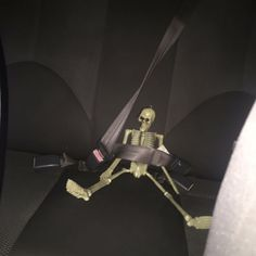 """""""Can you just move the skeleton toy?"""" """"Excuse you, his name is rattleybones and he needs that seat belt for SAFETY. Stupid Memes, Funny Memes, Erich Von Stroheim, Grunge Photography, Spooky Scary, Mo S, Cursed Images, Mood Pics, Aesthetic Grunge"""