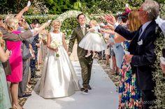 Confetti tossing! Wedding in Taormina