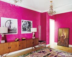 """the hot pink walls really scream """"statement"""" here - ELLE DECOR Interior Design Kitchen, Modern Interior Design, Interior Design Inspiration, Bathroom Interior, Plum Bathroom, Eclectic Design, Colour Inspiration, Interior Paint, Elle Decor"""