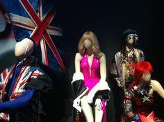 Musiikkia, muotia ja kimallusta: David Bowien ja Jean Paul Gaultierin kautta Moulin Rougeen - (pikkuseikkoja) | Lily.fi