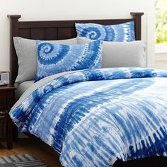 Surfers Point Tie Dye Duvet Cover + Sham, Navy Multi | PBteen