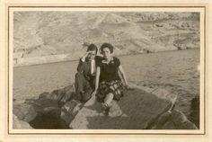 Antonio Oliver y Carmen Conde en el Faro de San Pedro. Cartagena, agosto 1927.