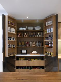 Roundhouse Bespoke Fulham Pantry #spacesaving #kitchen #design