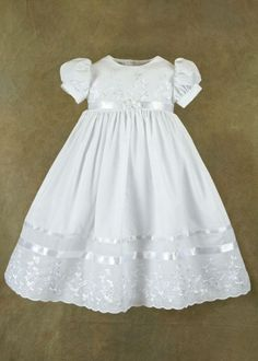 Erin Irish Shamrock Christening, Baptism, Blessing Gowns for Girls: Clothing Baby Christening Gowns, Christening Outfit, Baptism Dress, Little Girl Dresses, Flower Girl Dresses, Baby Blessing Dress, Baby Gown, Baby Sewing, Kind Mode