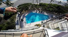 Watch A Dude Sneak Into A Hotel Just To Jump off A Four Story Balcony Into A Pool -  Watch A Dude Sneak Into A Hotel Just To Jump off A Four Story Balcony Into A Pool Just like our fearless protagonist here this insane jump from a four-story (five-story?) balcony into a Laguna Beach pool has us breathing heavy as hell. Fecha: September 19 2016 at 08:44PM via Digg: http://digg.com/video/pool-hop-laguna-balcony-jump - Sigueme en mi página de Facebook…