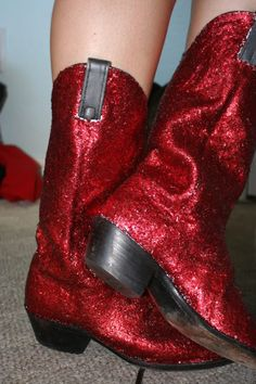 Holeh Pocket [DIY] Glitter Cowboy Boots  I. Seriously. Just. Died. Inside. <3