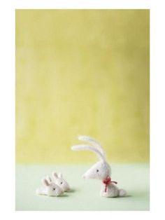 И вот наконей последняя публикация о кроликах, зайках и не только) Надеюсь в эту тематическую неделю модного войлока вам понравятся мои коллекции. Предлагаю вашему вниманию чедесные работы мастеров со всего мира.