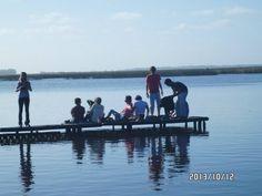 """""""La Laguna La Ballenera se encuentra a 12 Km de la ciudad de Miramar, por el camino viejo a Mar del Sud. Un lugar con mucha paz y belleza. Se puede pescar pejerrey, desde la costa o embarcado."""""""