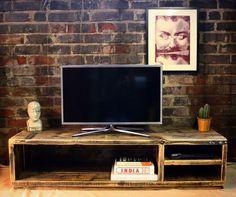 NEKO Recuperado mesa TV madera hecho a mano y por OldManAndMagpie