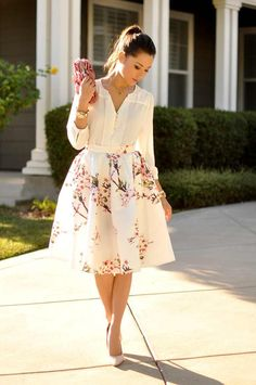 This White Pink Cherry Blossom Floral Flare Midi Skirt Pleated Skirt, features a pretty floral fabric and is pleated. This skirt will stop people in their tracks and turn heads. You can wear this for casual events or dress it up for a more formal event.  -S/M one size fits waists 25-30' -lengt...